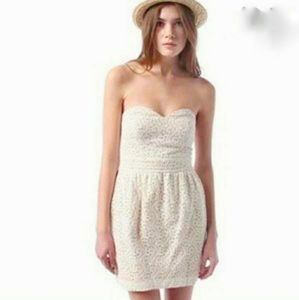 URBAN OUTFITTERS Pins and Needles Lace Cocktail White Cotton Dress size 4